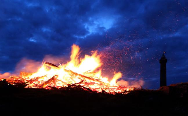 Queen's Diamond Jubilee Bonfire